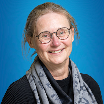 dr. Anne van den Brink